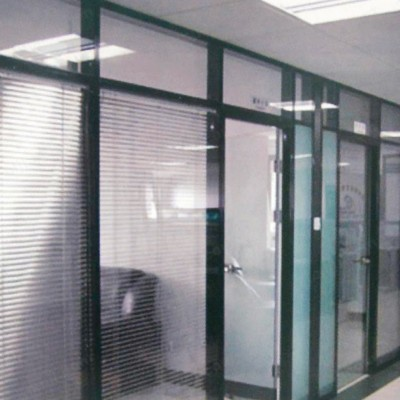 钢化玻璃隔断墙57款百叶高隔断04