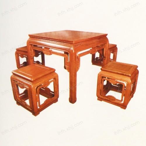实木雕刻餐桌 03