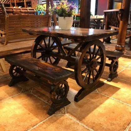 布卢斯户外休闲碳化木桌椅松木车轮