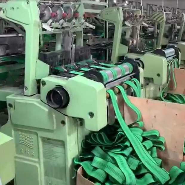 沙发专用橡筋生产设备 (108播放)