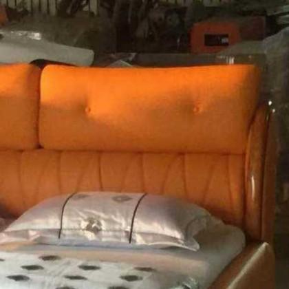 1.8*2.0舒适橘色红豆缘软床