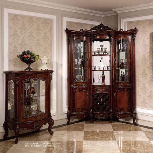 经典法式雕花装饰柜酒