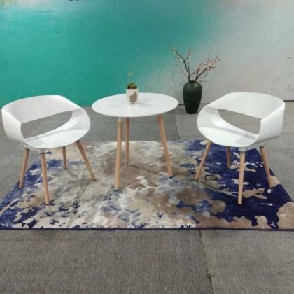 白色塑料椅