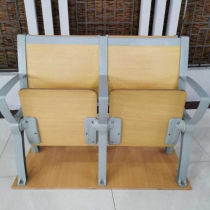 阶梯椅011