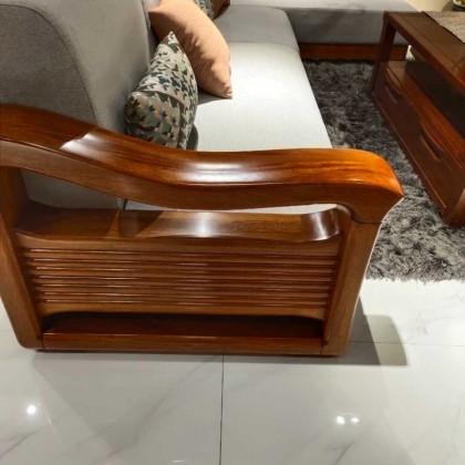 凯诺名典简欧沙发。