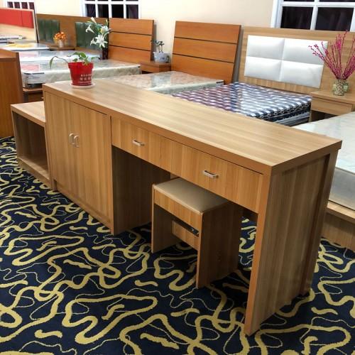 电脑桌台式家用办公桌