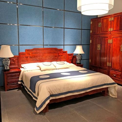 新中式卧室双人床定制 红木雕刻大床批发03
