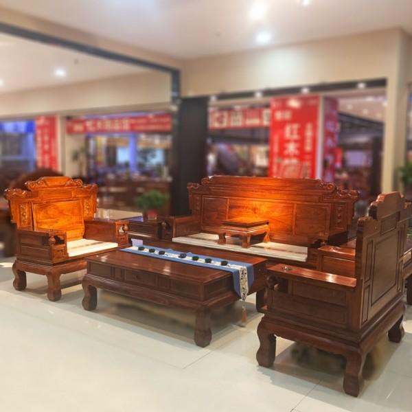 中式中小戶型客廳雕花
