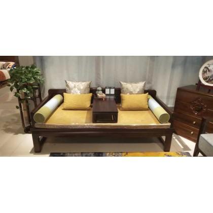 新中式客厅罗汉床