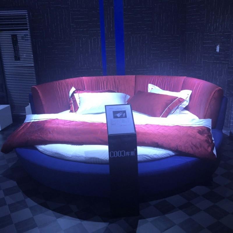 时尚布艺红色大床 圆床  简约卧室布艺床-3156