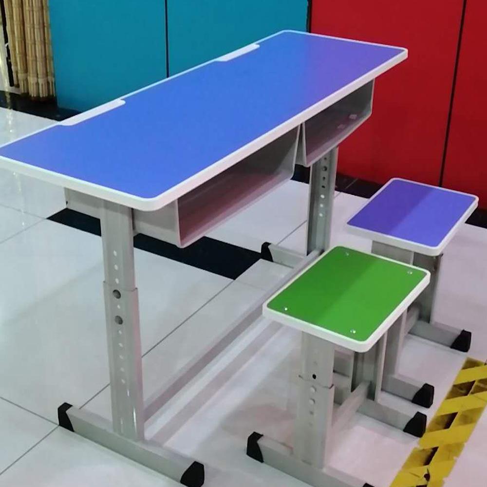 中小学生课桌椅价格24