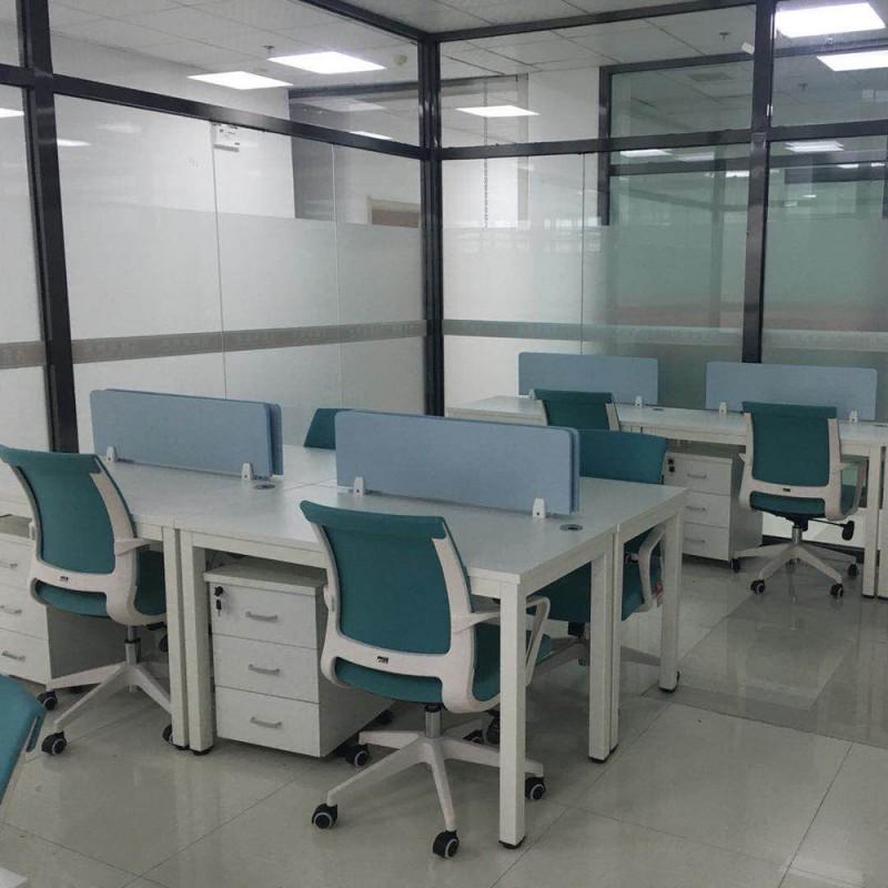 现代办公屏风员工电脑
