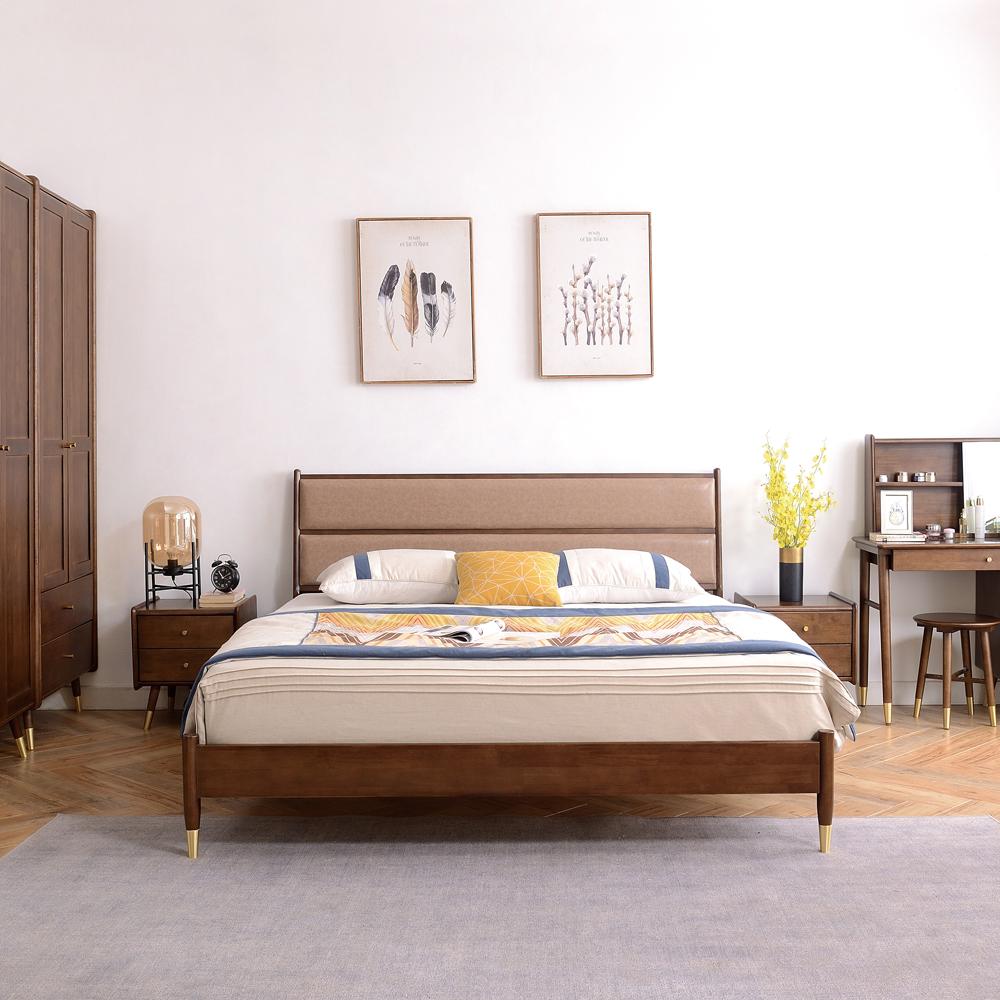 8165 现代软包床北欧双人床采购